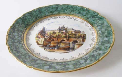 Porzellan Wand-/ Sammelteller Stadt Prag Dekor grün und gold