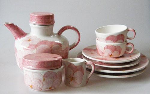 Ernestine Salerno Italy Keramik Teeservice für 2 Personen Stiefmütterchen rosa