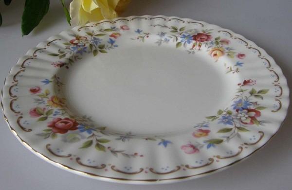 Royal Albert Jubilee Rose Frühstücksteller 20,5 cm