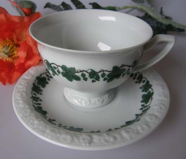 Rosenthal ältere Tasse mit Untertasse Classic Rose Collection mit Goldrand