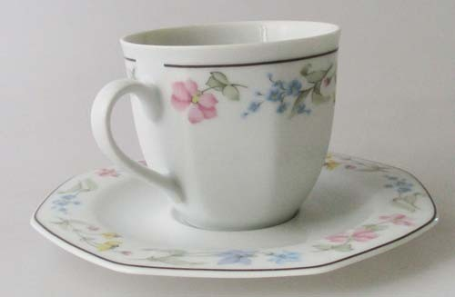 Winterling Röslau Kaffeetasse mit Untertasse 0,18 l Dekor floral