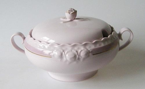 hutschenreuther drache porzellan exklusiv rosa lila sch ssel mit deckel drache modell exclusiv. Black Bedroom Furniture Sets. Home Design Ideas