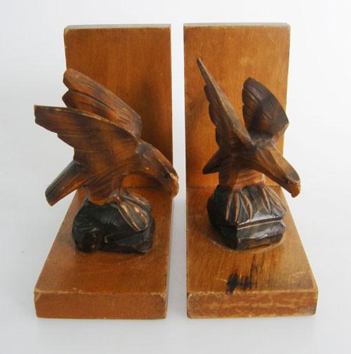 Set 2 antike Buchstützen Adlerpaar aus Massivholz