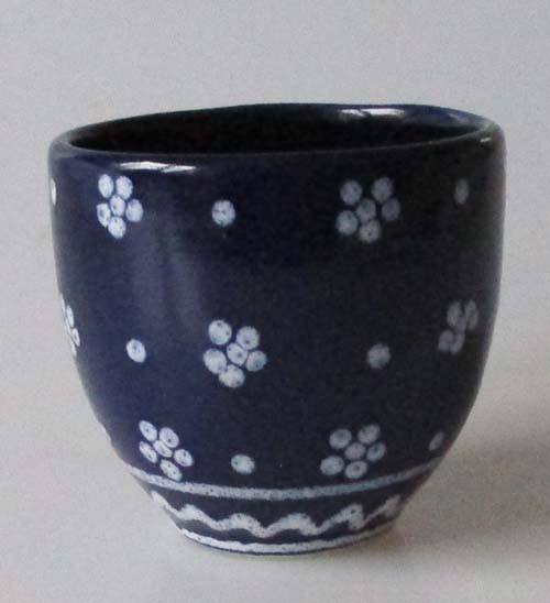 Gmundner Keramik Barock Dirndl blau Becher Höhe 7 cm