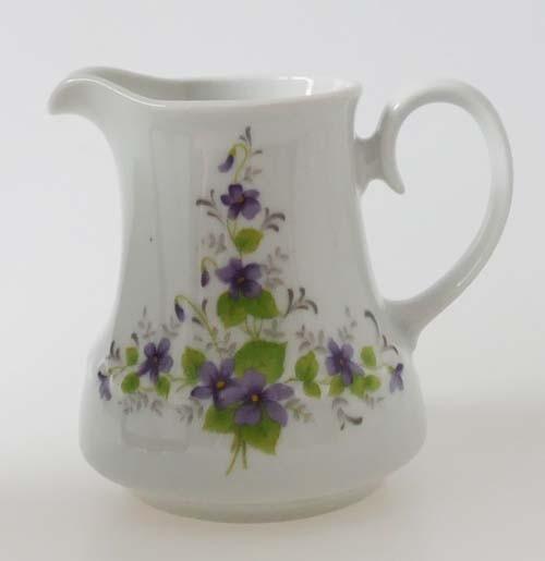 Mitterteich Form 140 Dekor Veilchen lila Milchkännchen Höhe 9,5 cm