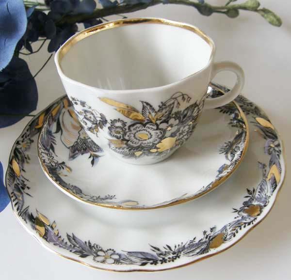 Lomonosov Blumen und Golddekor Kaffeegedeck 3-tlg.