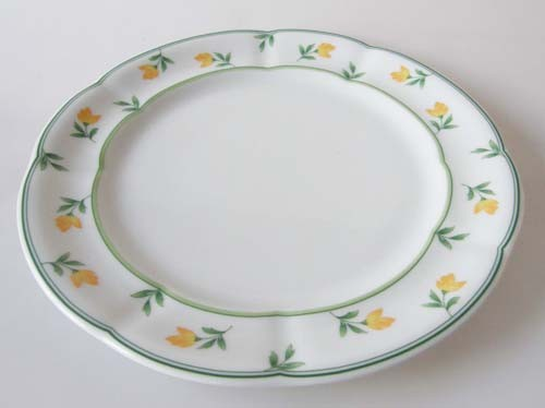 TCM Tchibo Frühstücksteller Ø 19 cm Dekor dunkelgrün, gelbe Blumen