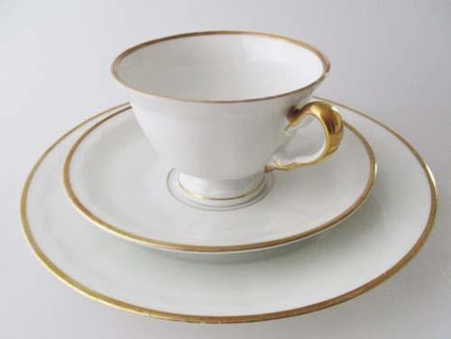 Johann Seltmann Vohenstrauss Kaffeegedeck 3 teilig Goldrand und Relief