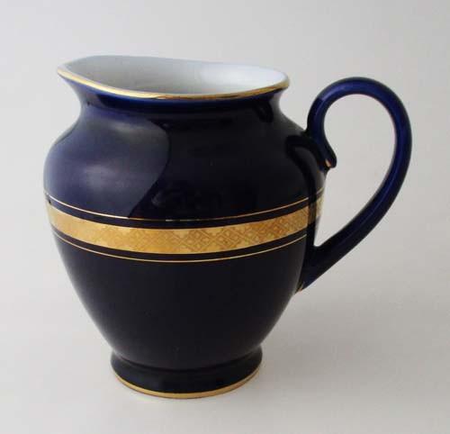Milchkännchen Höhe 10,5 cm Romanov Kobaltblau mit gemustertem Goldrand