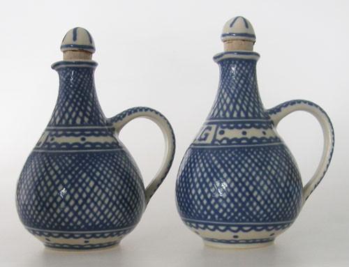 Leitner Keramik Tittmoning Essig und Ölflasche Gittermuster in Blau