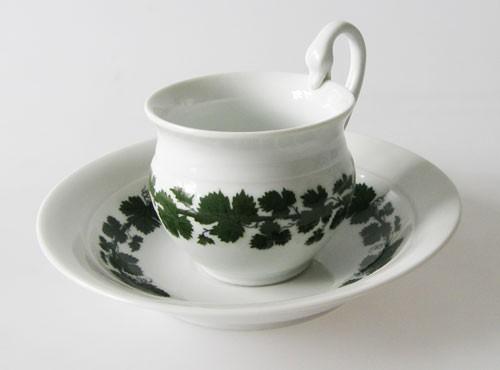 Meissen Weinlaub Schwanenhals Kaffeetasse mit Untertasse