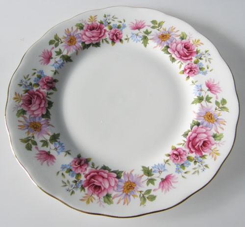 Queen Anne Serenade Frühstücksteller 21 cm Rosendekor und Goldrand