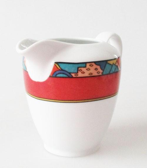 Mitterteich Form 2370 weiß mit rotem Randdekor Milchkännchen 0,25 l