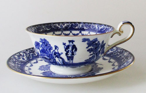 Royal Doulton Watteau blau mit Goldrand Teetasse mit Untertasse