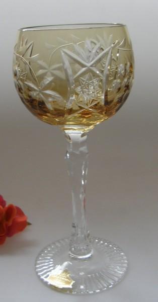 Überfang Weinrömer Bernsteinfarben mit Dekorschliff, Traube