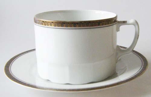 Kaffee-/ Teetasse mit Untertasse Schlackenwerth Ostrov Pfeiffer & Löwenstein Dekor Louise