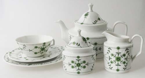 Teeservice 22 teilig Schezer Reliefmuster und güne Blumen