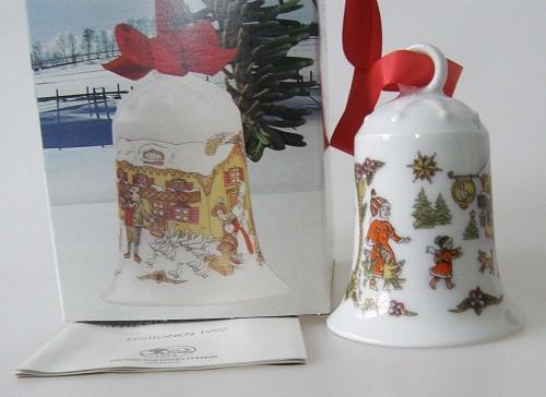 """Hutschenreuther Porzellan Weihnachtsglocke Im Gasthaus """"Zur Gans"""" 1992"""