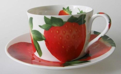 TAITÙ TAITÜ Frutta Erdbeere Kaffee-/ Teetasse mit Untertasse