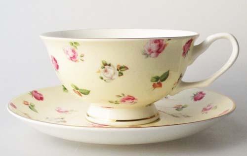 2 Kaffee- auch Teetassen mit Untertasse Villa Italia Rosendekor mit Goldrand