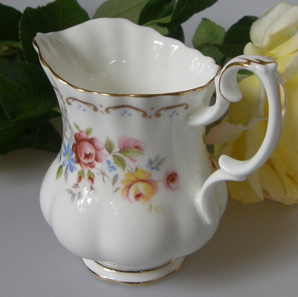 Royal Albert Jubilee Rose Milchkännchen 0,15 l