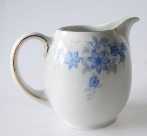 Sophienthal Milchkännchen blaues Blumendekor mit Goldrand