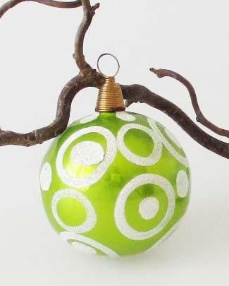 Villeroy & Boch Weihnachtskugel grün mit silbernen Kreisen Ø 6 cm
