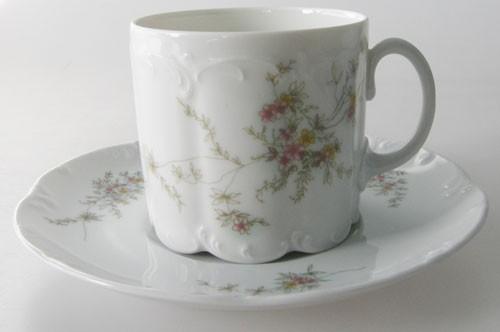 Rosenthal Monbijou Grüne Ranke Kaffeetasse mit Untertasse